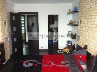 Apartament cu 3 camere de vanzare, confort Redus, zona Tineretului,  Bucuresti