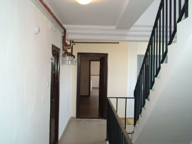 agentie imobiliara vand apartament decomandata, in zona Alexandriei, orasul Bucuresti