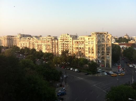 inchiriere apartament cu 3 camere, semidecomandata, in zona Unirii, orasul Bucuresti