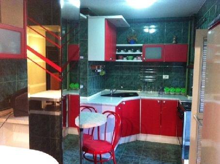 Apartament cu 3 camere de inchiriat, confort Redus, zona Unirii,  Bucuresti