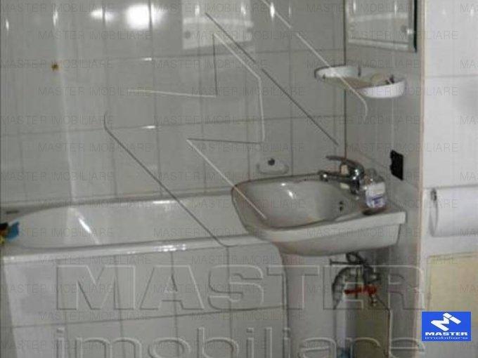 inchiriere apartament cu 4 camere, semidecomandat, in zona Unirii, orasul Bucuresti