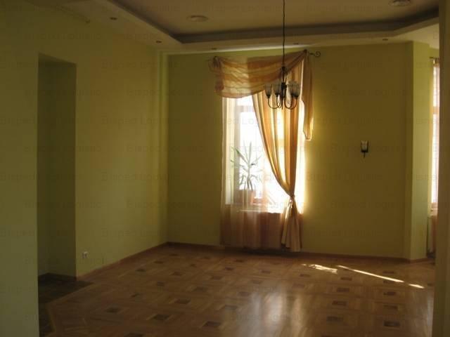 Bucuresti, zona Batistei, apartament cu 4 camere de inchiriat, Semi-mobilat