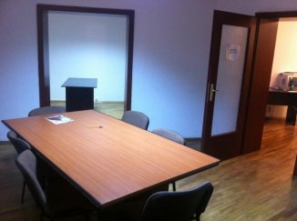 vanzare apartament cu 4 camere, decomandat, in zona Piata Victoriei, orasul Bucuresti