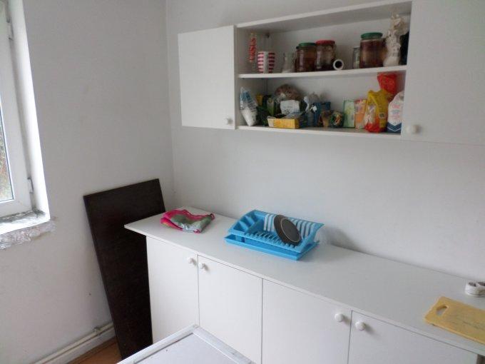 Apartament vanzare Bucuresti 4 camere, suprafata utila 72 mp, 4 grupuri sanitare, 1  balcon. 58.800 euro. Etajul 1 / 2. Destinatie: Rezidenta. Apartament Armeneasca Bucuresti