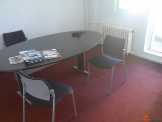 agentie imobiliara inchiriez apartament decomandata, in zona Piata Victoriei, orasul Bucuresti