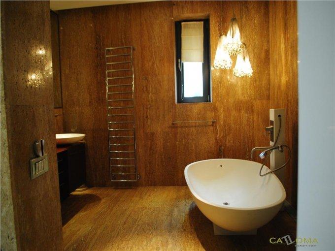 vanzare apartament decomandat, orasul Bucuresti, suprafata utila 244 mp