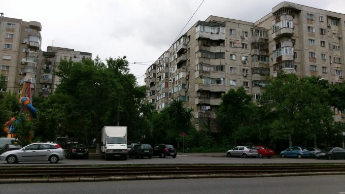 Apartament vanzare Ferentari cu 4 camere, etajul 7 / 8, 2 grupuri sanitare, cu suprafata de 77 mp. Bucuresti, zona Ferentari.