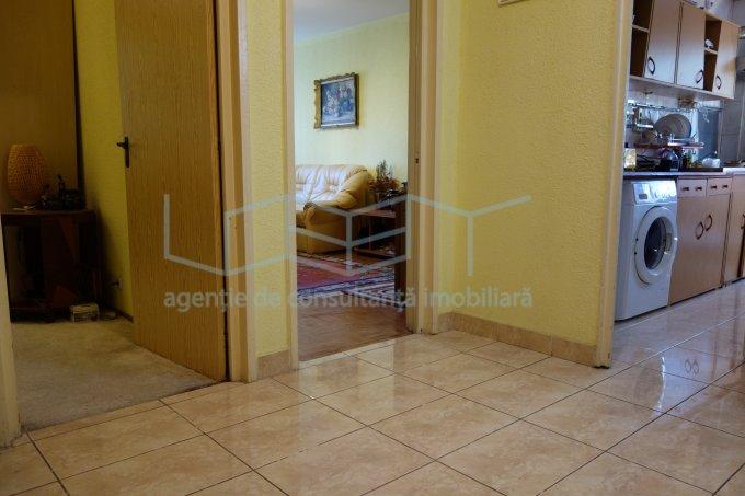 Apartament vanzare Bucuresti 4 camere, suprafata utila 79 mp, 2 grupuri sanitare, 2  balcoane. 110.000 euro negociabil. Etajul 3 / 8. Destinatie: Rezidenta. Apartament Dristor Bucuresti