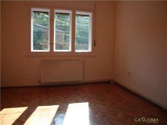 vanzare apartament cu 4 camere, decomandat, in zona Dacia, orasul Bucuresti