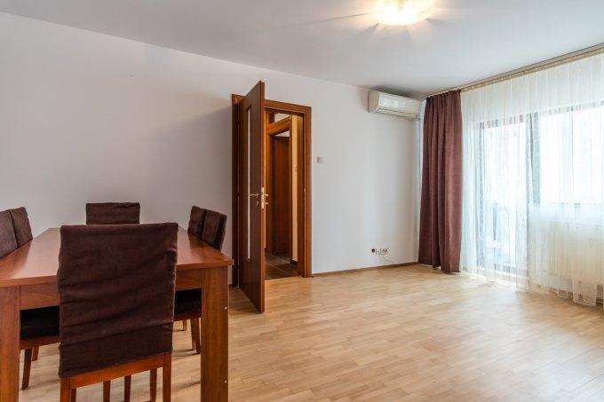 Apartament vanzare Mosilor cu 4 camere, etajul 6 / 8, 2 grupuri sanitare, cu suprafata de 79 mp. Bucuresti, zona Mosilor.