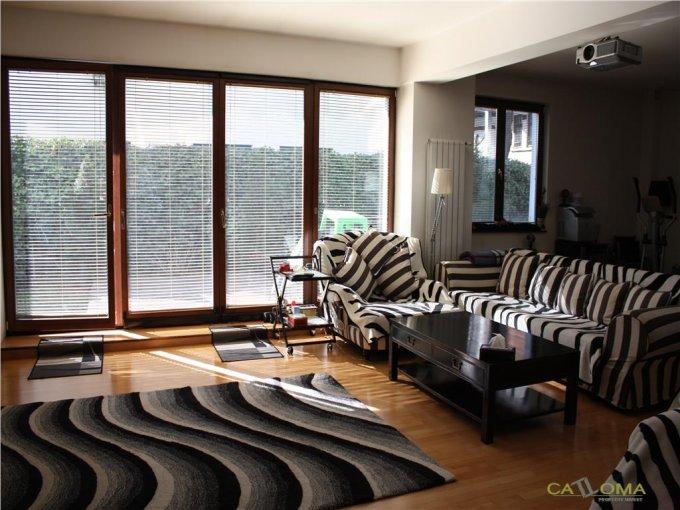 vanzare Apartament Bucuresti cu 4 camere, cu 2 grupuri sanitare, suprafata utila 135 mp. Pret: 365.000 euro.