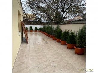 vanzare apartament cu 4 camere, decomandat, in zona Eminescu, orasul Bucuresti