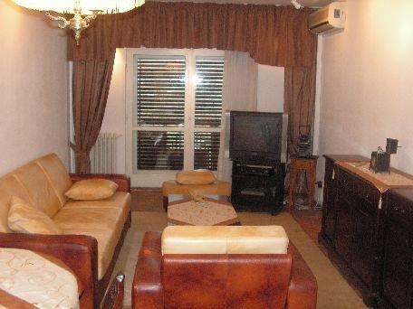 inchiriere apartament decomandata, zona Unirii, orasul Bucuresti, suprafata utila 90 mp