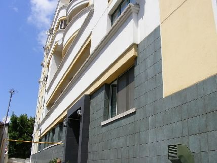 vanzare apartament cu 4 camere, decomandata, in zona Victoriei, orasul Bucuresti