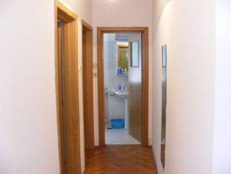 vanzare apartament decomandata, zona Victoriei, orasul Bucuresti, suprafata utila 100 mp