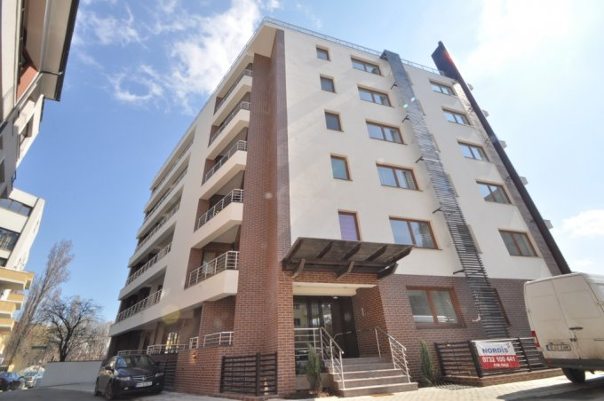 vanzare apartament cu 4 camere, decomandat, in zona Soseaua Nordului, orasul Bucuresti