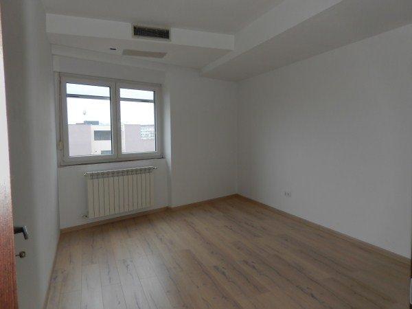 vanzare apartament semidecomandat, zona Piata Unirii, orasul Bucuresti, suprafata utila 110 mp