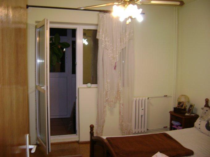vanzare apartament semidecomandat, zona Basarabia, orasul Bucuresti, suprafata utila 84 mp