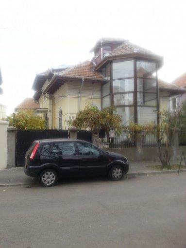 inchiriere apartament cu 4 camere, decomandat, in zona Casin, orasul Bucuresti