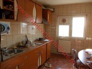 vanzare apartament cu 4 camere, decomandat, in zona Stefan cel Mare, orasul Bucuresti