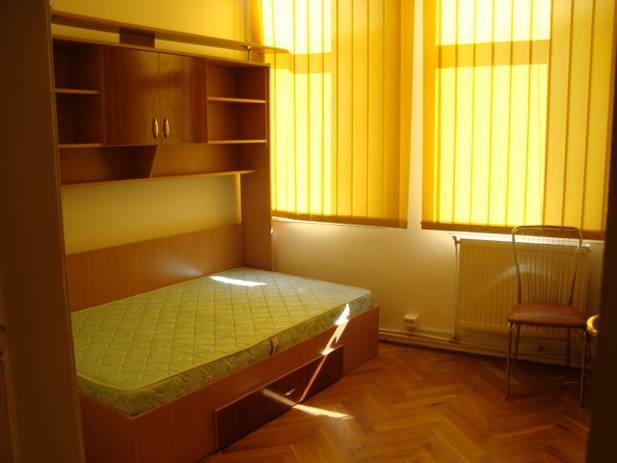 inchiriere apartament semidecomandat, zona Unirii, orasul Bucuresti, suprafata utila 130 mp
