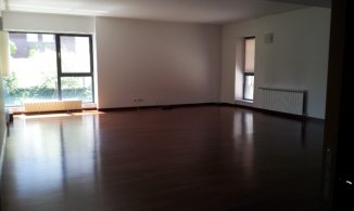 Bucuresti, zona Herastrau, apartament cu 4 camere de inchiriat, Nemobilat
