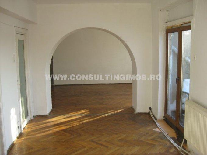 Bucuresti, zona Calea Calarasilor, apartament cu 4 camere de vanzare