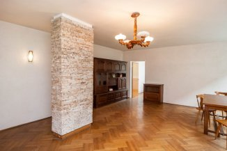 http://realkom.ro/anunt/vanzari-apartamente/realkom-agentie-imobiliara-oferta-vanzare-apartament-4-camere-in-vila-dorobanti-beller/1322