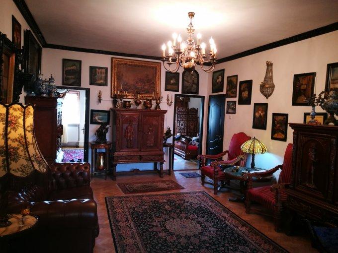 Apartament de vanzare direct de la agentie imobiliara, in Bucuresti, in zona Victoriei, cu 153.000 euro. 2  balcoane, 3 grupuri sanitare, suprafata utila 140 mp.