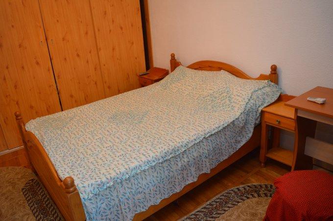 http://realkom.ro/anunt/inchirieri-apartamente/realkom-agentie-imobiliara-decebal-oferta-inchiriere-apartament-4-camere-decebal-piata-alba-iulia/1645