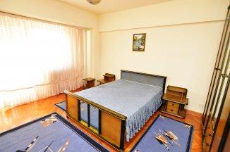 http://realkom.ro/anunt/inchirieri-apartamente/realkom-agentie-imobiliara-unirii-oferta-inchiriere-apartament-4-camere-unirii-fantani/1648#play