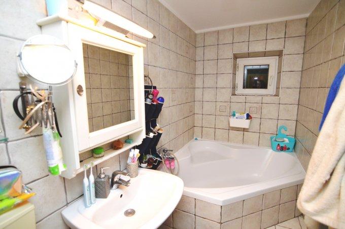http://www.realkom.ro/anunt/vanzari-apartamente/realkom-agentie-imobiliara-vitan-oferta-vanzare-apartament-4-camere-vitan-mall-vitan/1787