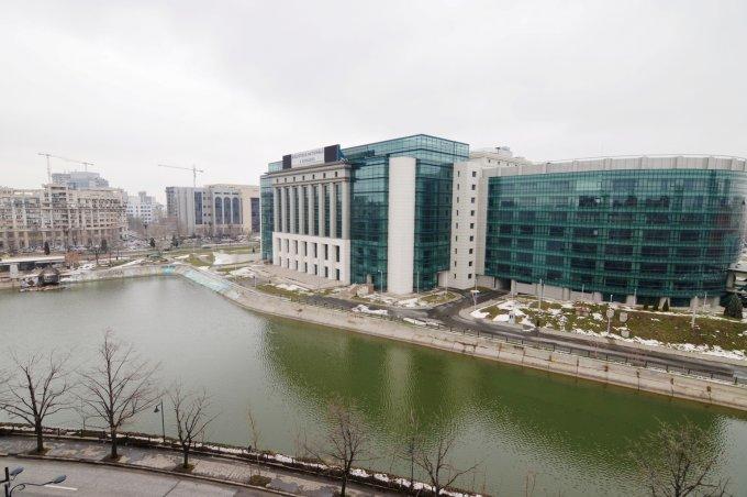 http://www.realkom.ro/anunt/vanzari-apartamente/realkom-agentie-imobiliara-unirii-oferta-vanzare-apartament-4-camere-unirii-biblioteca-nationala/1847