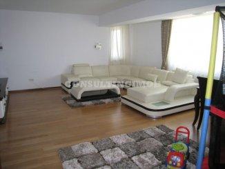 vanzare apartament cu 4 camere, semidecomandat, in zona Basarabia, orasul Bucuresti