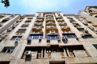 http://www.realkom.ro/anunt/vanzari-apartamente/realkom-agentie-imobiliara-unirii-oferta-vanzare-apartament-4-camere-bulevardul-unirii-fantani/1872