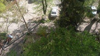 proprietar vand apartament semidecomandat-circular, in zona Kogalniceanu, orasul Bucuresti