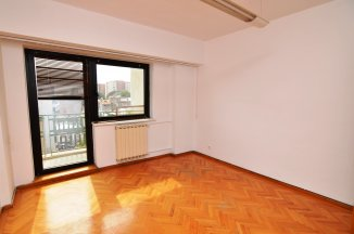 http://www.realkom.ro/anunt/inchirieri-apartamente/realkom-agentie-imobiliara-unirii-oferta-inchiriere-apartament-4-camere-unirii-piata-unirii/1884