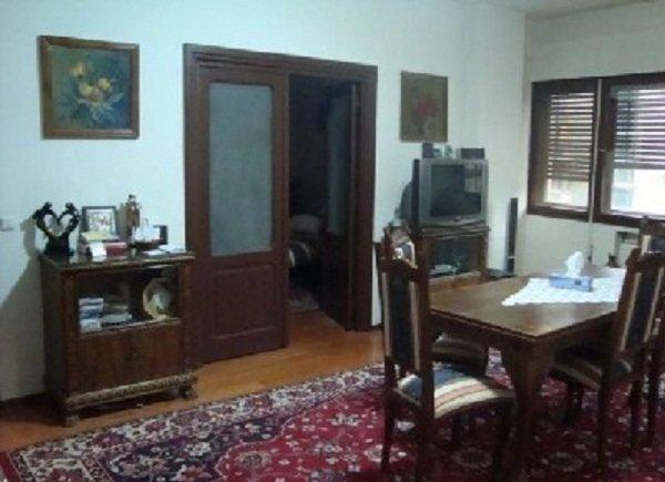 Apartament vanzare Bucuresti 4 camere, suprafata utila 100 mp, 2 grupuri sanitare, 1  balcon. 99.000 euro. Etajul 2 / 5. Destinatie: Rezidenta, Birou. Apartament Bucuresti