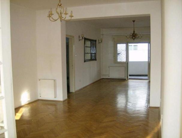 Apartament vanzare Bucuresti 4 camere, suprafata utila 140 mp, 2 grupuri sanitare. 187.000 euro. Etajul 1 / 3. Destinatie: Rezidenta, Birou. Apartament Bucuresti