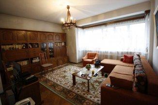 vanzare apartament cu 4 camere, semidecomandat, in zona Universitate, orasul Bucuresti