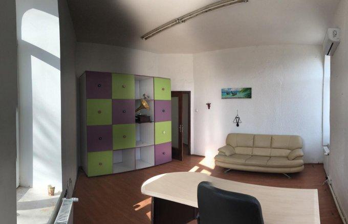 inchiriere Apartament Bucuresti cu 4 camere, cu 1 grup sanitar, suprafata utila 100 mp. Pret: 800 euro. Incalzire: Centrala proprie a locuintei.