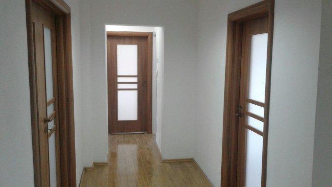 inchiriere Apartament Bucuresti cu 4 camere, cu 2 grupuri sanitare, suprafata utila 110 mp. Pret: 850 euro.