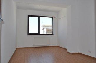 vanzare apartament cu 4 camere, semidecomandat, in zona Soseaua Nordului, orasul Bucuresti