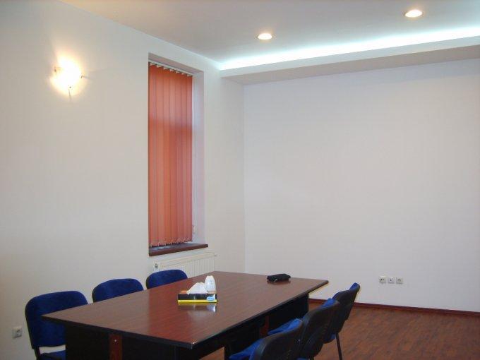 agentie imobiliara inchiriez apartament semidecomandat, in zona Unirii, orasul Bucuresti