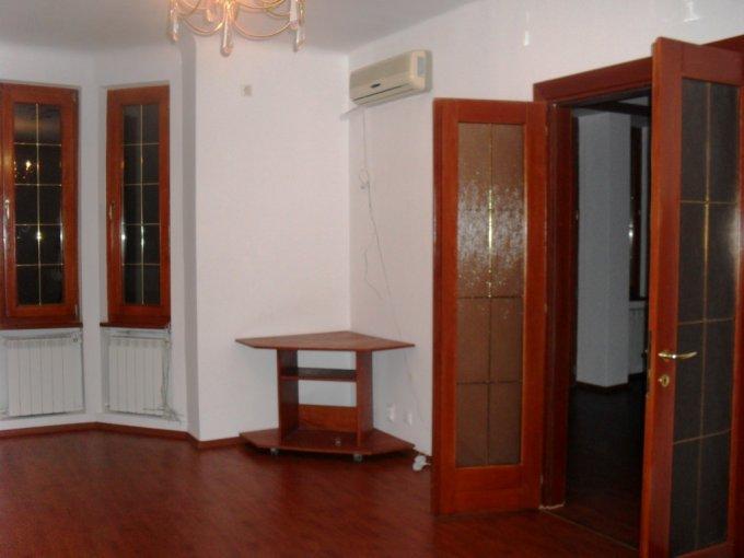 vanzare apartament cu 4 camere, decomandat, in zona Gradina Icoanei, orasul Bucuresti