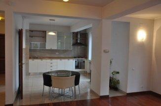 inchiriere apartament cu 4 camere, decomandat, orasul Bucuresti