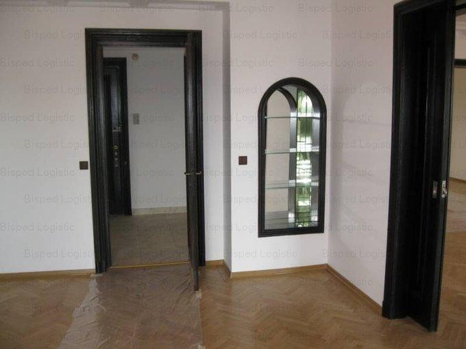 Bucuresti, zona Cismigiu, apartament cu 5 camere de vanzare