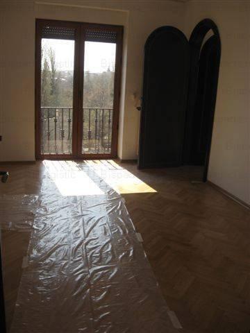 vanzare apartament cu 5 camere, decomandat, in zona Cismigiu, orasul Bucuresti
