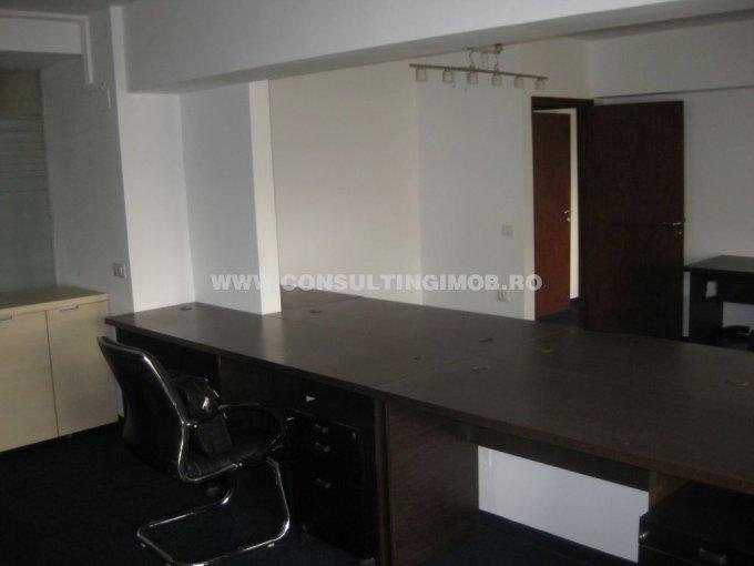 inchiriere apartament cu 5 camere, decomandat, in zona Unirii, orasul Bucuresti