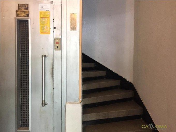 vanzare apartament cu 5 camere, decomandat, in zona Piata Victoriei, orasul Bucuresti